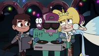 S3E24 Star and Marco judging the club music