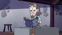 S4E18 Sir Crandle checks the knights' handbook