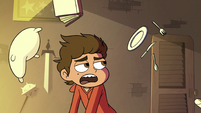S3E18 Objects floating around Marco Diaz