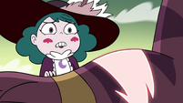 S4E32 Eclipsa looking at Globgor's wound