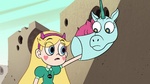 S2E13 Star reaches into Pony Head's back pocket