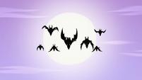 S4E22 Silhouettes of wild dragon-cycles