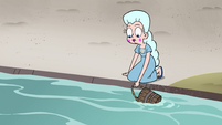S4E8 Moon collecting fresh water in a bucket