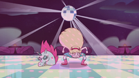 S2E33 Star and Pony Head stomp the dance floor