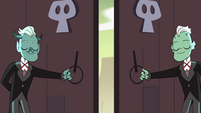 S4E10 Monster butlers opening the doors