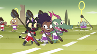 S4E16 Mewman and monster kids play together 1