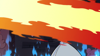S3E24 Fire blasting past Star Butterfly
