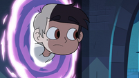 S3E22 Marco Diaz peeking through the portal