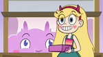 S3E35 Star Butterfly enters Pony Head's bedroom