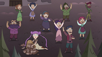 S4E35 Villagers cheering for Solaria Butterfly