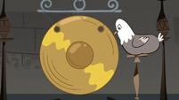 S3E20 Pigeon ringing a gong