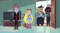 S4E29 Star, Tom, and cops at the front door