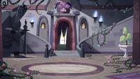 S4E3 Main foyer of the Monster Temple