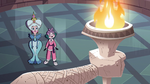 S3E28 Moon and Eclipsa look at statue's torch