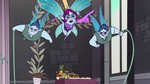 S1E12 Pixie Empress and guards chasing