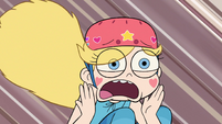 S2E5 Star Butterfly 'it says don't walk!'