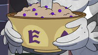 S4E7 Eclipsa's breakfast in Manfred's hands