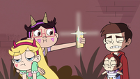 S4E26 StarFan13 takes picture of Mariposa