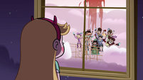 S4E9 Star watches angry mob continue to yell