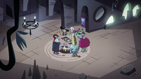 S4E34 Eclipsa and company around a table