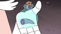 S3E7 Flask with Toffee's finger inside