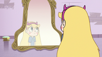 S3E9 Star doesn't see Glossaryck in the mirror