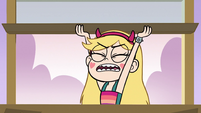S3E35 Star Butterfly opening Pony Head's window