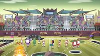 S4E16 Cornball teams assemble on the field