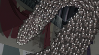S3E20 Swarm of pigeons curving through the air