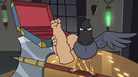 S3E20 Executioner pigeon removing his fake arms