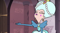 S3E28 Moon gestures Eclipsa out