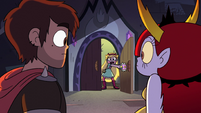 S2E31 Star Butterfly pointing her wand at Hekapoo