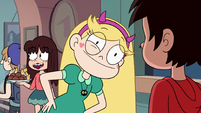 S2E41 Star Butterfly smiling uncomfortably