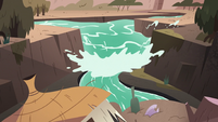 S3E17 Water rushing toward the new water dam