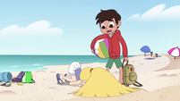 S4E27 Star sulking face-down on the sand