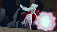 S2E41 Queen Moon carries Hekapoo to the portal