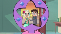 S2E27 Marco and Jackie posing for a picture