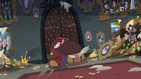 S3E20 Pigeons trying to break through the door