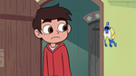 S2E25 Marco Diaz notices Glossaryck's body