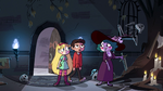 S4E1 Eclipsa shows Star and Marco to their room