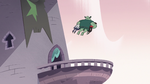 S3E7 Buff Frog leaping to the castle balconies