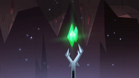S4E13 Severing Stone glowing green