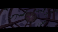 S4E32 Meteora's room in Janna's blurry vision