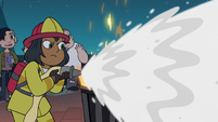 S2E41 Firefighter woman puts out the fire