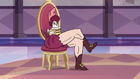 S3E10 Rich Pigeon with crossed muscular legs