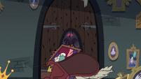 S3E20 Rich Pigeon's door with beak holes in it