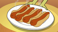 S2E13 Plate of hot goblin dogs