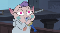 S4E17 Meteora sucking on Glossaryck's head