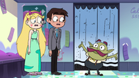 S3E34 Ben cheering in front of Star and Marco