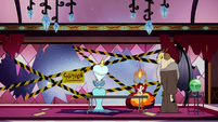 S2E25 Glossaryck, Queen, and Commission assembled together